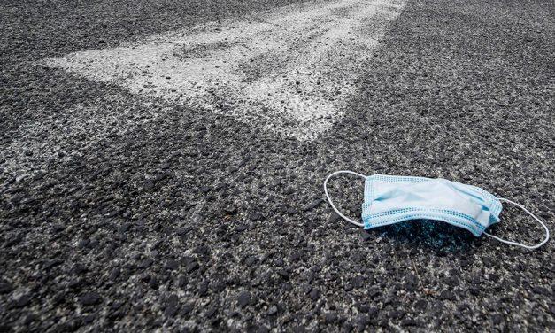 Cubrebocas, un nuevo contaminante de la vía pública