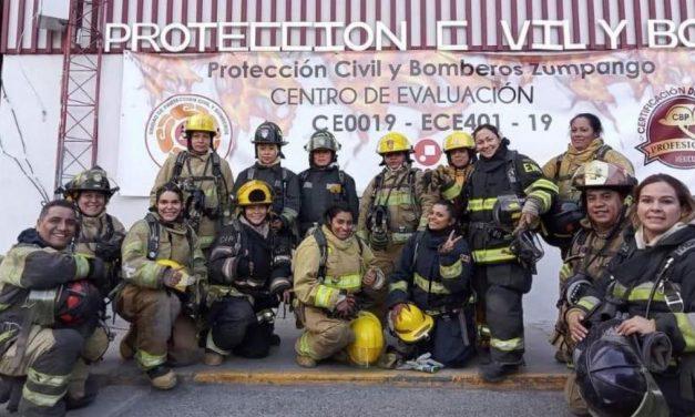 Certificarán a la primera mujer bombero de la región Mixteca