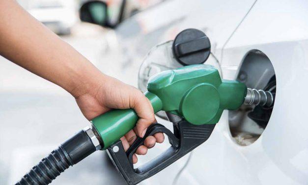 Baja el precio de la gasolina