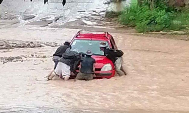 Emiten recomendaciones por fuertes lluvias