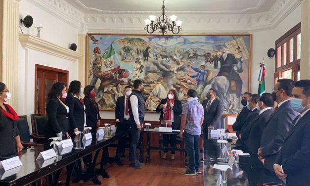 Entregan medalla Antonio de León a Fundación Alfredo Harp Helú