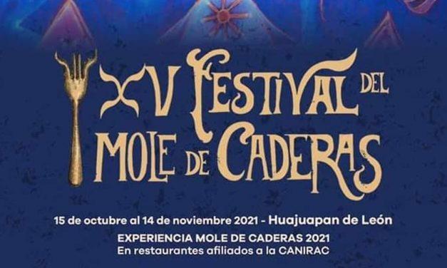 Cumple 15 años el festival del mole de caderas