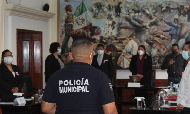 Reconocen a la policía municipal por detención de presuntos asaltantes